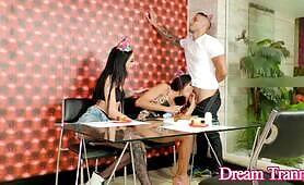 TS Maira Dimov n Kelly Melo Share a Guy